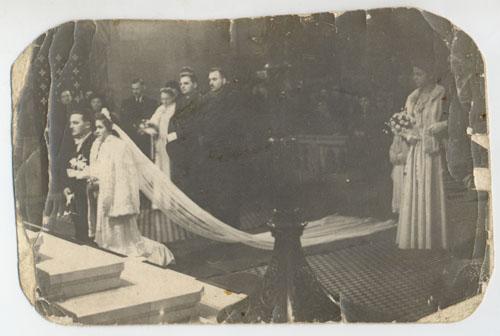 Esküvői fotó, fejújítás előtt, hatvan évvel ezelőtt. Nektek is ezt kívánom!